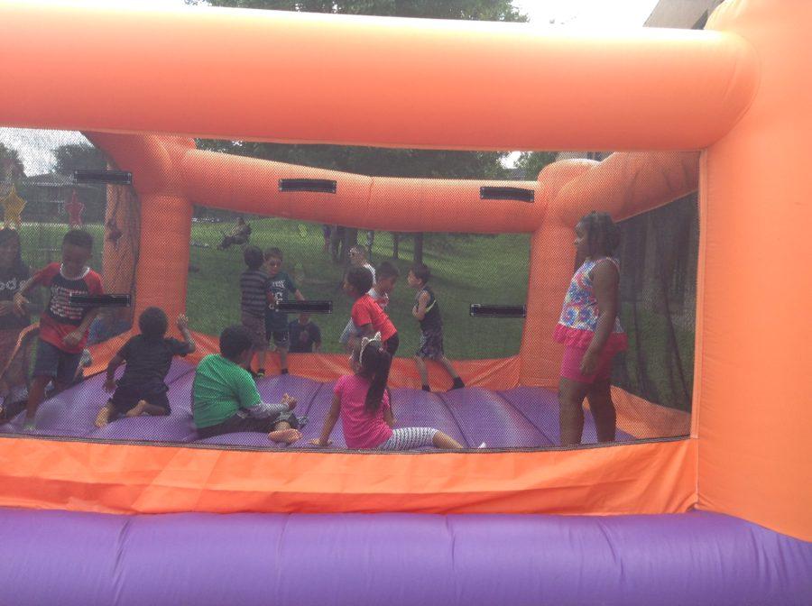 bouncy house (3)